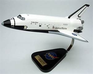 NASA - Space Shuttle Columbia - 1/100 Scale Mahogany Model