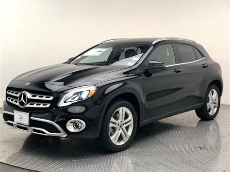 The 2020 gla 250 suv measures in at 174″ l x 71″ w x 60″ h with 8 available exterior color options, allowing for complete customization of your new 2020 gla suv. New 2020 Mercedes-Benz GLA GLA 250 4MATIC® SUV SUV in ...