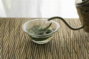 How To Make A Sage Vinegar Rinse To Darken Gray Hairs