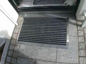 Fussmatte Für Aussenbereich : fu matte in edelstahlrahmen f llung mit aluprofil und ~ Markanthonyermac.com Haus und Dekorationen