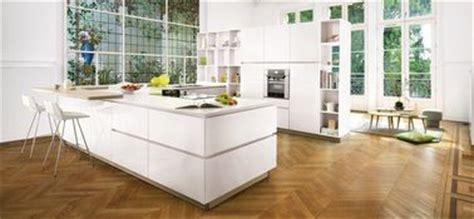 cuisine cuisinella prix la cuisine blanche confirme style de déco tendance