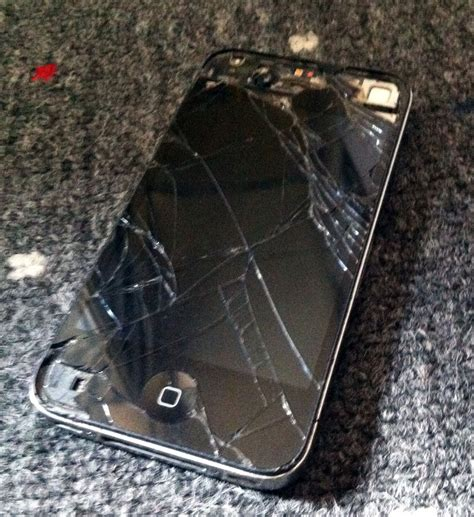 shattered iphone screen the world s most broken iphone that still works