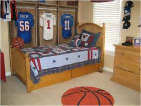 Michael Jordan Birthday Decorations by Young Boys Sports Bedroom Themes Room Design Ideas