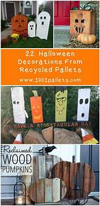 22 superb halloween decorations using pallet wood wooden With what kind of paint to use on kitchen cabinets for home essentials and beyond candle holders