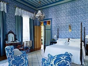30 Rooms That Showcase Blue-and-White Decor Photos