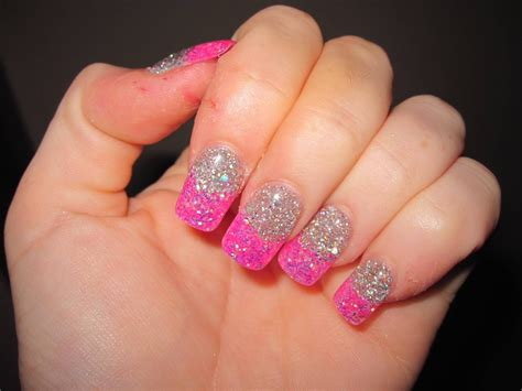 How To Apply Glitter Nail Polish With Easy Way?