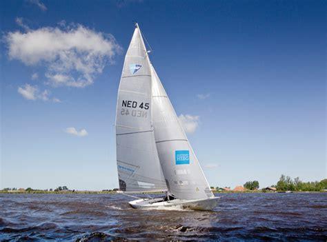 Buitenboordmotor Voor Zeilboot by G2 Een Zeilboot Met Stijl Kok Watersport