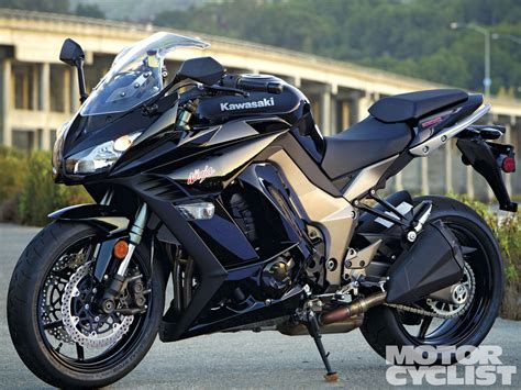 Kawasaki Ninja 1000  Review And Photos