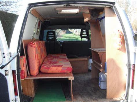 camion amenage pour cuisine gmcmarine aménagement simple d 39 un utilitaire pour 1000