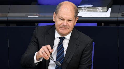 Olaf scholz is the social democrats' candidate as german chancellor to succeed angela merkel. Bundestagswahl 2021: Olaf Scholz bewirbt sich um Direktmandat in Potsdam