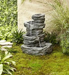 Steinbrunnen Für Den Garten : 52 erstaunliche bilder von gartenbrunnen zum inspirieren ~ Bigdaddyawards.com Haus und Dekorationen