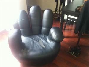 Fauteuil En Forme De Main : fauteuil forme main donner paris ~ Teatrodelosmanantiales.com Idées de Décoration