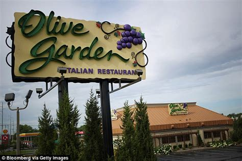 what time does olive garden open today the top 10 casual dining restaurants ranked in america