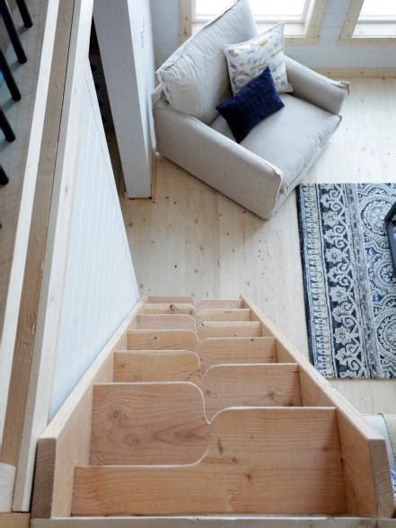 ana whites cabin  building   grid alaska range building   grid