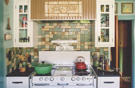 design motifs    english cottage kitchen