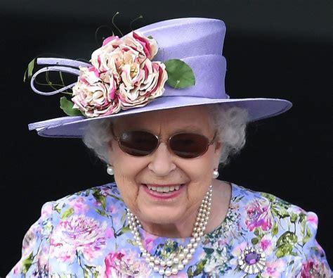 Podle televize sky news lze právě tento vzkaz interpretovat jako odkaz na současné spory ohledně odchodu británie z eu. Královna Alžběta - Královna Alžběta II. | Extra Publishing ...