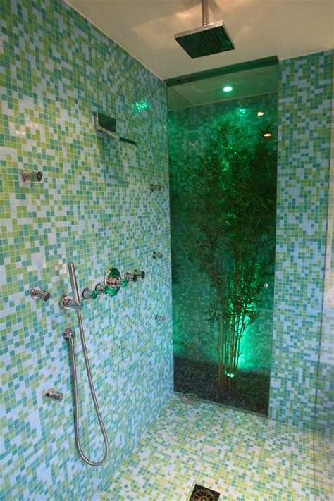 Glass Tile For Bathrooms Ideas by 32 Great Bathroom Glass Tile Photos And Pictures 2019