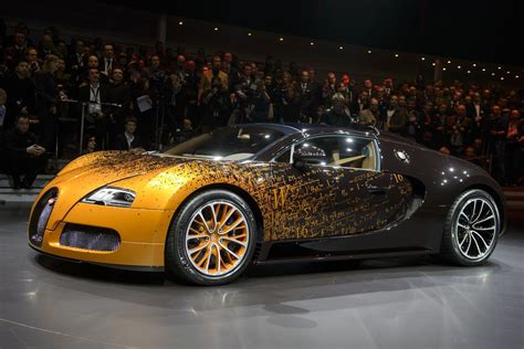 Bugatti veyron, 2010 / 160, série hot auction, mattel 2002, b52, made in malaysia, réf: Black an Gold all the way! | Hot Cars | Bugatti cars, Bugatti new model, Car show