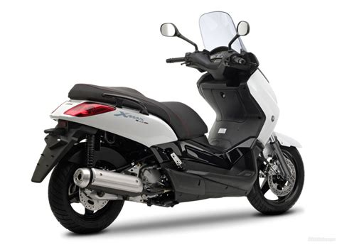 Yamaha X-max 250 1024 X 768 Wallpaper