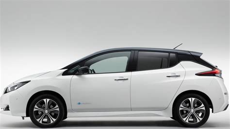 nissan launches longer range electric vehicle news football transfer news