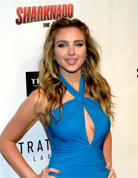 kate newman actress gallery sharknado the 4th awakens red carpet ksnv
