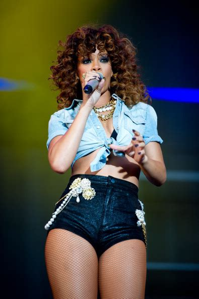 rihanna   dating boxer dudley oshaughnessy