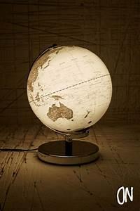 Lampe Globe Terrestre : lampe globe terrestre urban outfitters 105 adaptateur fr deco appartement pinterest ~ Teatrodelosmanantiales.com Idées de Décoration