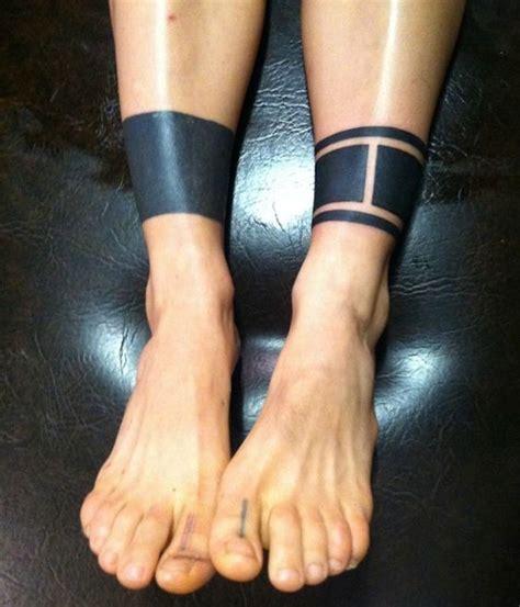tatouage cheville bracelet