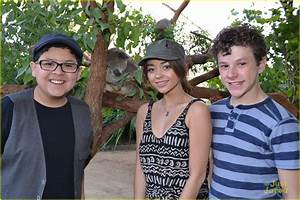 Sarah Hyland: Australian Adventures with Boyfriend Matt ...