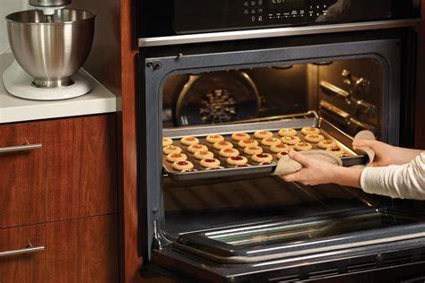 wilton bake mega baking expand cookies pan grid 2105 fold cooling amazon kitchen easy bakeware clean