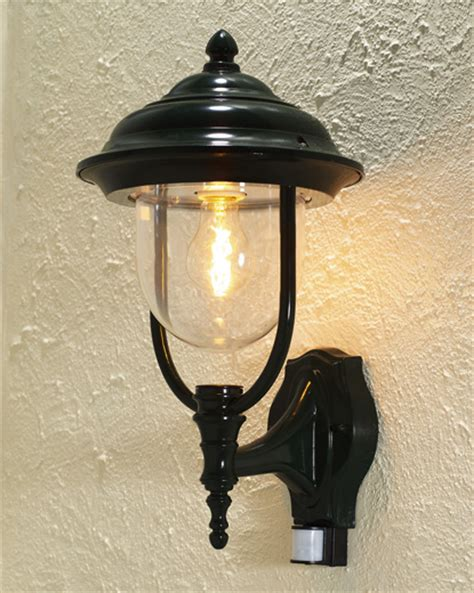 covered wall lantern with pir