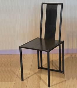 Chaise Design Metal : chaise acier brut verni chaise design ~ Teatrodelosmanantiales.com Idées de Décoration