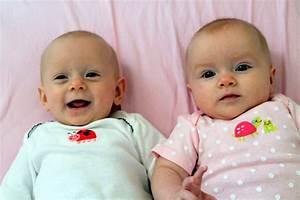 Cute Newborn Twin Baby Photos