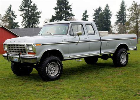 F250 Custom 4x4 34 Ton Super Cab Highboy 400 Automatic