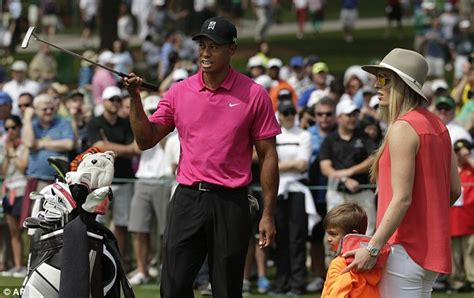 Tiger Woods cuddles his kids as former World No1 sets ...
