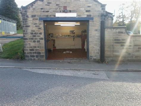 Garage Units For Rent by Leigh House Leeds Workshop Garage Available For Rent