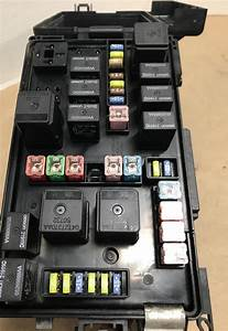 Fuse Box Module 2005 2006 Dodge Charger 3 5