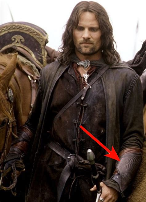 Never Realized That After Boromirs Death Aragorn Wears