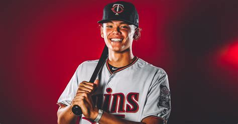 twins officially sign    pick keoni cavaco