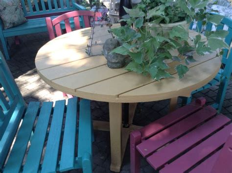 Outdoor Furniture Painted With Annie Sloan's Chalk Paint