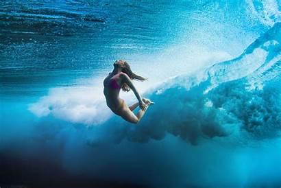 Surfer Female Surfboard Sarah Lee Comes Surfing