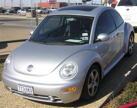 2002 Volkswagen New Beetle Photos, Informations, Articles