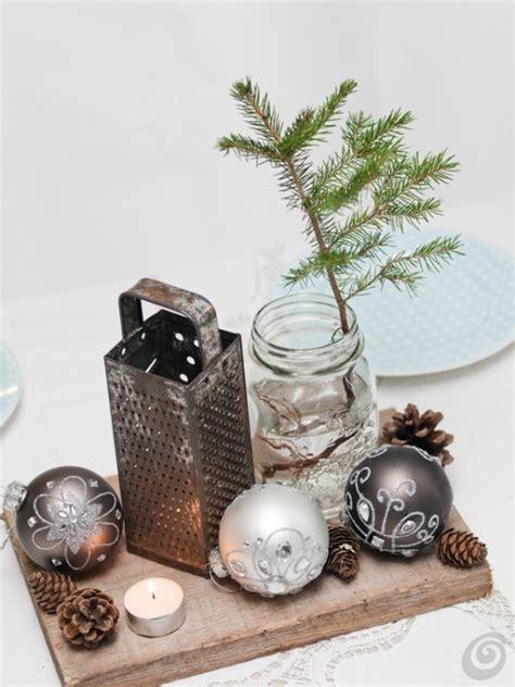 accendo una candela decorare la tavola a natale con un oggetto vintage casa