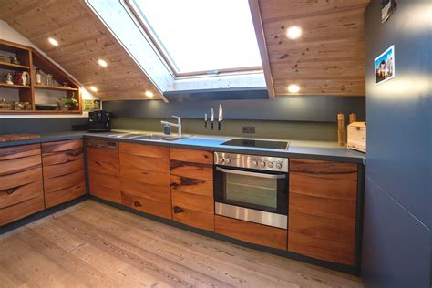 Küche Im Dachgeschoss by Eine Exklusive K 252 Che Im Dachgeschoss Schreinerei Haas