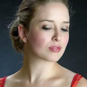 Hire Paramour Makeup Makeup Artist In Kansas City Missouri
