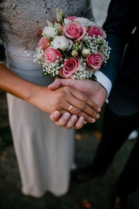 ucapan pernikahan simple lucu  sahabat
