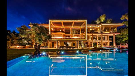 A Super Luxury Bel Air House - YouTube