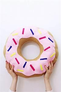 Donut Kissen Xxl : diy donut kissen selber machen variante mit und ohne n hen ~ Orissabook.com Haus und Dekorationen