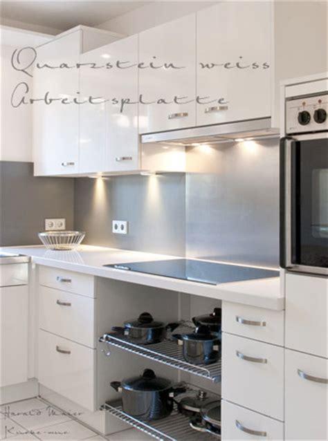 Weisse Küche Arbeitsplatte by Kuechenfronten Weiss Arbeitsplatte Weiss Und Spritzschutz
