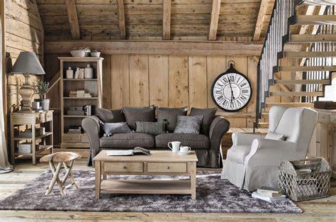 Gemütliches Wohnzimmer Im Chalet Stil (foto